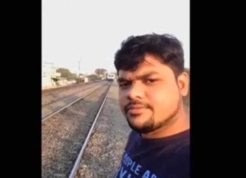 نجا من الموت بأعجوبة.. قصة صاحب سيلفي القطار في فيلم منتدى شباب العالم