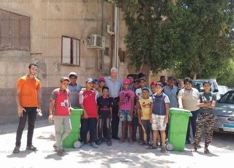 رئيس مدينة طور سيناء يتابع المعسكر الصيفي للنظافة