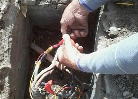 استكمال أعمال صيانة الكهرباء بنطاق حي الجمرك بالإسكندرية