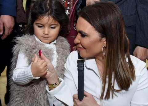 """سحر نصر لـ""""الوطن"""": اصطحابي لحفيدتي بالاستفتاء رسالة لتعليم أولادنا الواجب الوطني"""