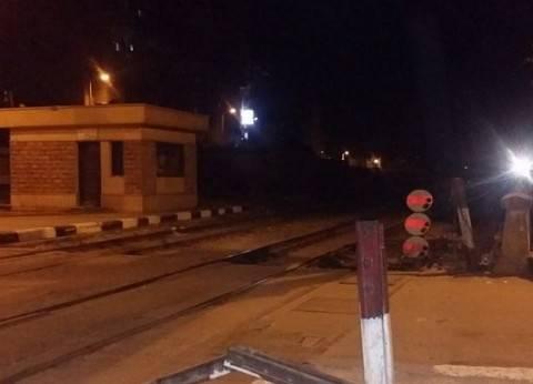 """تعطيل حركة سير القطارات على خط """"الإسماعيلية - السويس"""" بسبب سيارة نقل"""