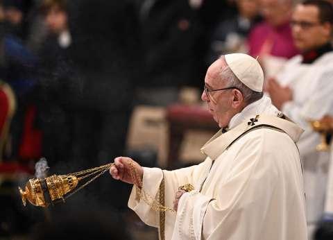 بابا الفاتيكان ورجال دين مسيحيين يباركون افتتاح كاتدرائية ميلاد المسيح