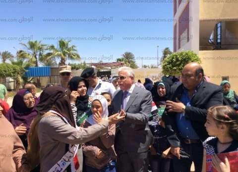 محافظ جنوب سيناء يتفقد لجان الاستفتاء بمدينة الطور