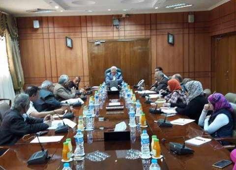 محافظ بورسعيد يبحث زيادة المساحات الزراعية في سهل الطينة