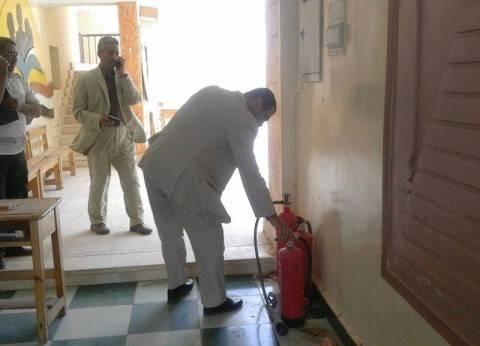 سكرتير عام محافظة الوادي الجديد يتفقد مقار اللجان الانتخابية