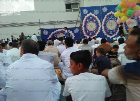 أهالي مطروح يؤدون صلاة العيد في 77 ساحة