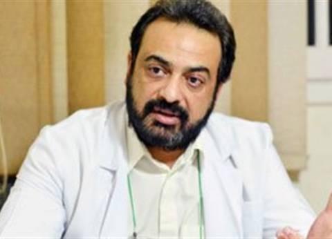 حسام عبد الغفار يكشف السبب الحقيقي وراء قلة عدد الأطباء في مصر