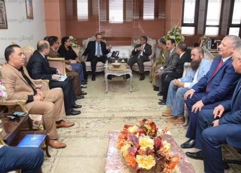 """""""شريف حبيب"""" يستقبل وفدا من """"محلية النواب"""" لبحث تطوير محافظة بني سويف"""
