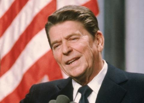 """سبب وراء امتثال الرئيس الأمريكي الراحل """"ريجان"""" لأوامر الأطباء"""