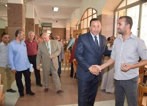 رئيس جامعة المنوفية يتابع أعمال مكتب التنسيق