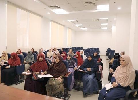 """أمين """"البحوث الإسلامية"""" يتفقد الدورة التدريبية لتأهيل الواعظات"""