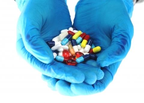 بأمر الدستور.. الدولة تتدخل لإنقاذ «الدواء» (ملف)