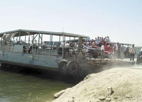 المنصورة.. وسيلة نقل الأهالى إلى قاع النيل