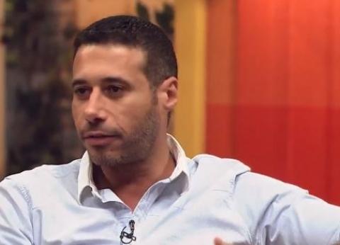 """أحمد السعدني يواجه البرد: """"البربطوز"""" هو الحل"""