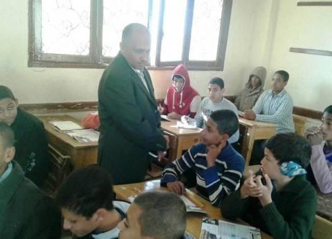 """وكيل """"تعليم"""" سوهاج يتابع سير العمل في عدد من المدارس"""