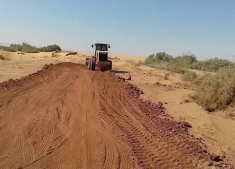 رفع كفاءة 700 كيلو متر طرق بمليار جنيه في الوادي الجديد