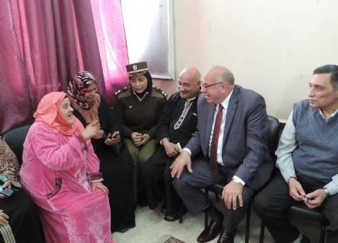 مدير أمن القليوبية يزور دار مسنين في بنها احتفالا بعيد الأم
