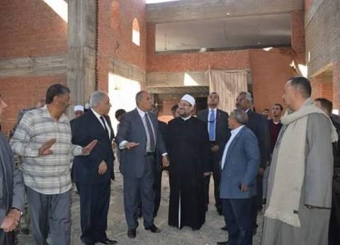 محافظ البحر الأحمر ووزير الأوقاف يتفقدان أعمال إنشاء جامع الدهار