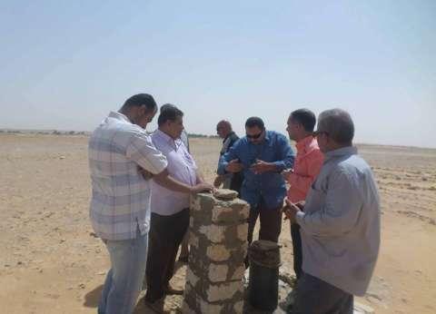 الوحدة المحلية بالخارجة وبعض الجمعيات تتفقد موقع مقابر المسلمين الجديد
