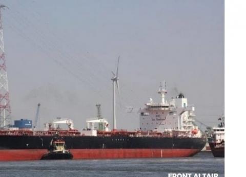 تداول 298 شاحنة بضائع و150 سيارة بمواني البحر الأحمر