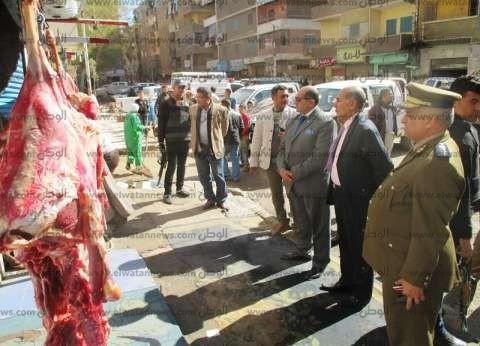 في حملة أمنية قادها محافظ سوهاج.. ضبط لحوم فاسدة وإغلاق عدة محلات