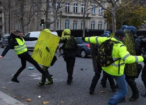 """محتجو """"السترات الصفراء"""" يعودون إلى الشانزليزيه"""