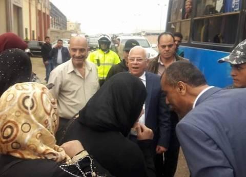 محافظ بورسعيد يحث عمال المنطقة الصناعية على المشاركة بالانتخابات