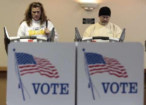الأمريكيون يختارون رئيسهم اليوم.. و«إف بى آى» يبرئ «كلينتون» للمرة الثانية