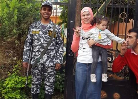 """أسرة الشهيد أيمن حاتم تدلي بصوتها في الانتخابات: """"هنقضي على الإرهاب"""""""