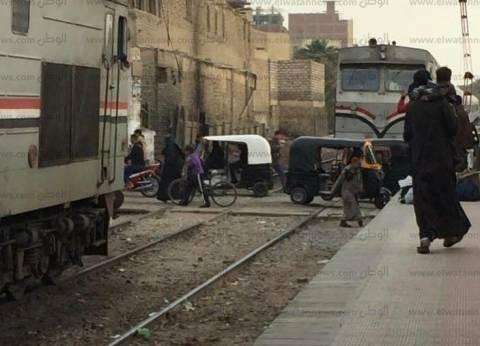 """""""السكة الحديد"""": وفاة سائق عربة كارو صدمه قطارا على خط مرسى مطروح"""