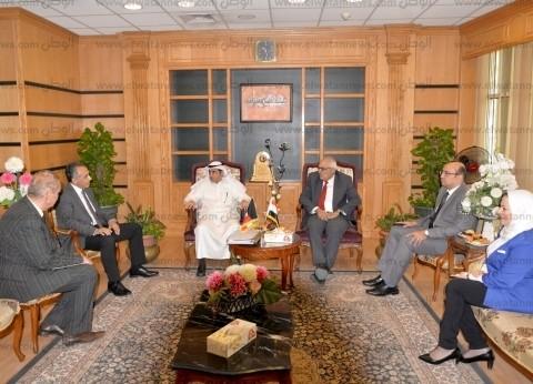 رئيس جامعة المنصورة يستقبل المستشار الثقافي الكويتي