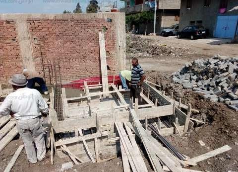 """أسر 16 عاملا بكفر الشيخ يتهمون رجل أعمال ليبي باحتجاز أبنائهم بـ""""طبرق"""""""