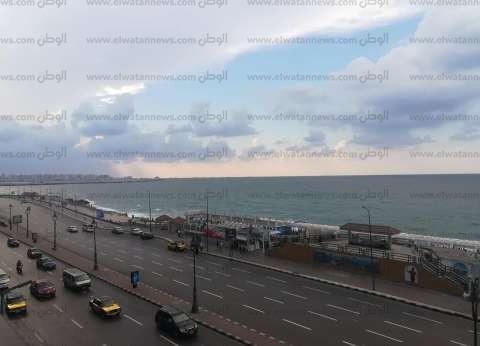 الشتاء يدق الأبواب في الإسكندرية.. وتساقط أمطار خفيفة بالساعات المقبلة
