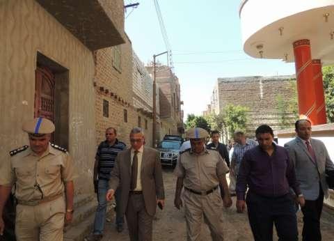 مدير أمن المنيا يقود حملة إشغالات في أبوقرقاص