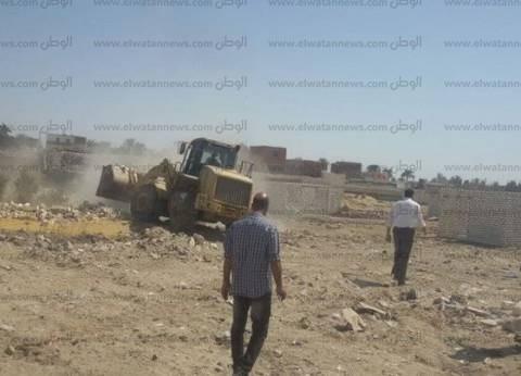 حملة مكبرة لإزالة التعديات على المناطق المحجرية بمدينة أسوان