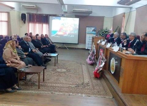 رئيس جامعة بنها يناقش رسالة دكتوراه بجامعة الزقازيق