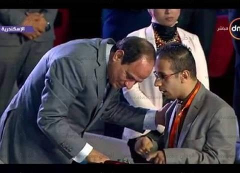 """والد متحدي الإعاقة الذي تحدث مع السيسي: """"كلنا فخورين بيك يا محمد"""""""