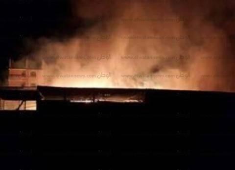 النيابة تباشر التحقيق في واقعة حريق مصنعي كونتنر ومخزن أسفنج بكفرسعد في دمياط
