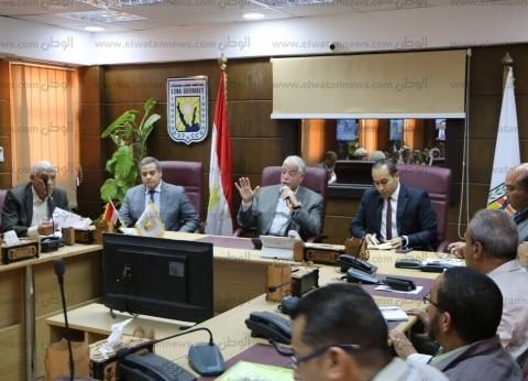 """""""فودة"""" يبحث موقف تقنين أراضي الدولة في جنوب سيناء"""