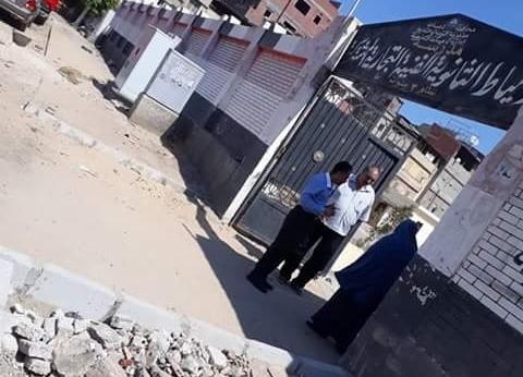 بالصور| رئيس مدينة دمياط يتابع تنفيذ قرار رفع القمامة أمام المدارس