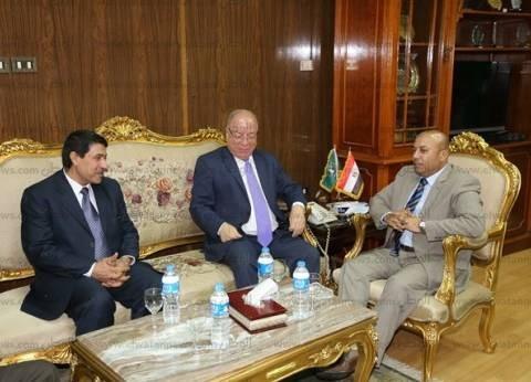 محافظ المنوفية يستقبل وزير الثقافة في مكتبه قبل زيارة معرض الكتاب