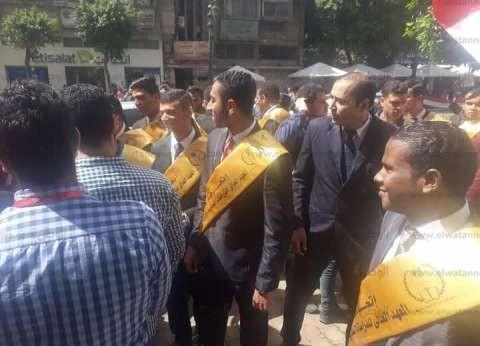 بالفيديو| وزير التعليم يشارك في مسيرة طلابية لحث المواطنين على التصويت