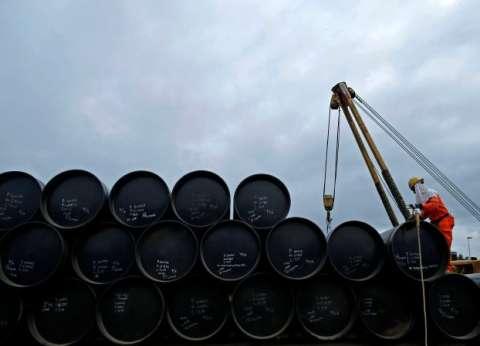 """""""إندبندنت"""": رفع العقوبات عن إيران يغرق سوق النفط بـ""""مليون"""" برميل يوميا"""