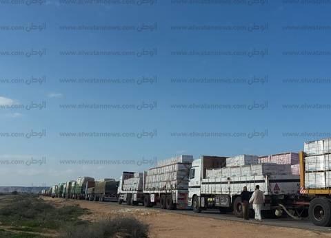 229 شاحنة بضائع مصرية تعبر منفذ السلوم من وإلى ليبيا