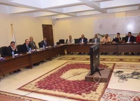 بالصور  محافظ بني سويف يترأس اجتماع لجنة استرداد أراضي الدولة