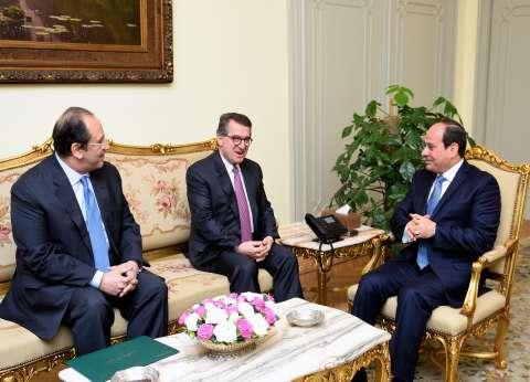 السيسي يستقبل مدير المخابرات اليونانية في حضور عباس كامل