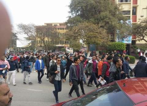نائب جامعة عين شمس يناقش آليات جذب الطلاب الوافدين