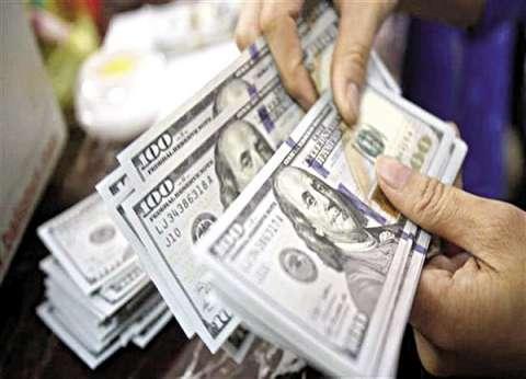 الدولار يتراجع قرشا في ثالث أيام الاستفتاء على التعديلات الدستورية