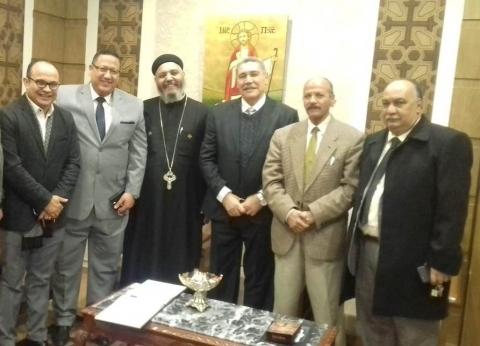 """نواب وقيادات حزبية يجوبون كنائس المنيا للتهنئة بـ""""عيد الميلاد"""""""