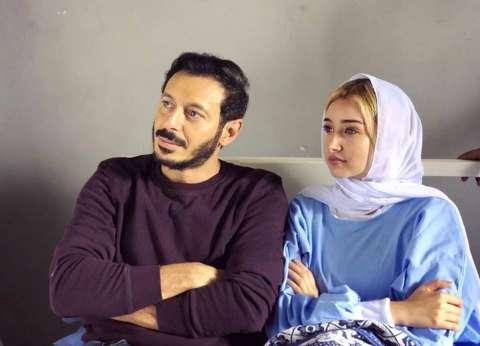 """هنا الزاهد تطل بالحجاب في """"كواليس أيوب"""" مع مصطفى شعبان"""